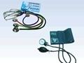 imagem de Kit - Esfigmomanômetro + Estetoscópio Velcro e Metal