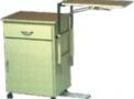imagem de Mesa de Cabeceira, com Mesa de Refeição Acoplada.
