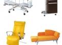 Apartamento Hospitalar LUXAL CP01: Cama Fawler Motorizada 1025, Sofá Cama 850, Mesa de Cabeçeira e de Refeições 1081 Poltrona Reclinável 1061